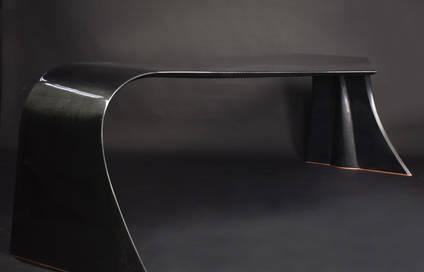 Matthew-Nunn-The-Vulcan-Carbon-Fiber-Desk